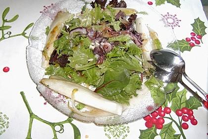 Pflücksalat mit karamellisiertem Chicorée