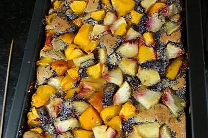 Pfirsichkuchen mit Mohn-Mandel-Creme (Bild)