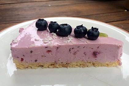 Beeren-Cheesecake mit Keksboden