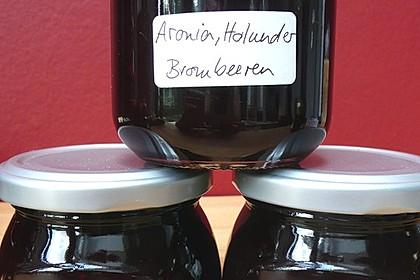 Schwarze Beerenmarmelade