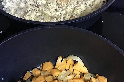 Brat-Süßkartoffeln mit Rührei (Bild)