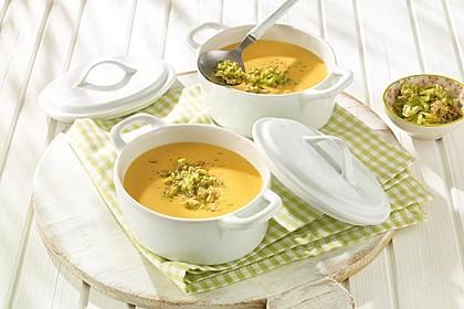 Süßkartoffel-Suppe mit Gremolata