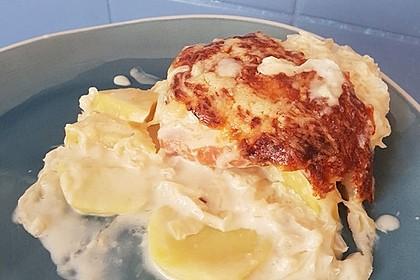 Kasseler-Sauerkraut-Auflauf mit Kartoffeln und Meerrettichsoße