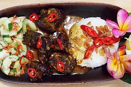 Rendang Sapi Bandung - Rindfleisch gegart in Kokosnusssauce