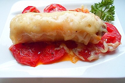 Bratwurst in Pesto-Rolle
