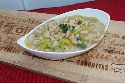 Schneller weißer Bohnensalat mit Lauch