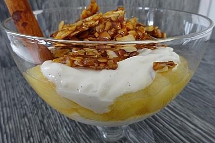 Apfel-Joghurt-Dessert im Glas mit griechischem Joghurt 1