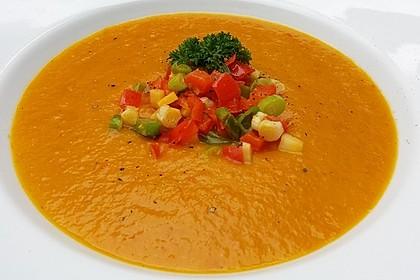 Vegane Kürbis-Steckrüben-Suppe (Bild)