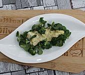 Feldsalat mit Honig-Senf-Dressing (Bild)