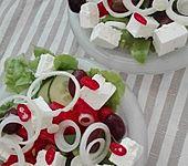 Fast griechischer Bauernsalat (Bild)