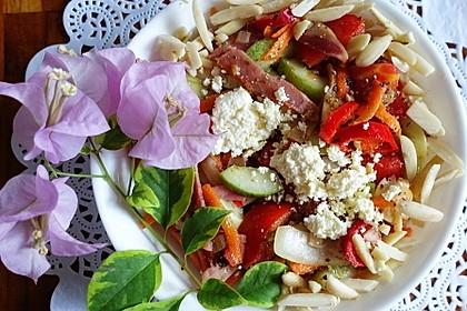 Bunter Salat mit Feta und Bacon Thessaloniki