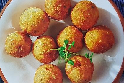 Frittierte Käsebällchen
