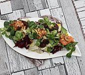 Blattsalat mit Tomatenpesto (Bild)