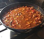 Fleischwurstpfanne mit Paprika, Champignons und Gewürzgurken (Bild)