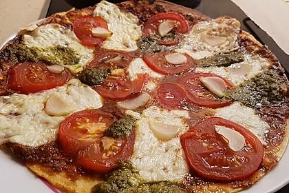 Pfannenpizza mit Mozzarella 10