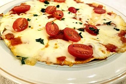 Pfannenpizza mit Mozzarella 6
