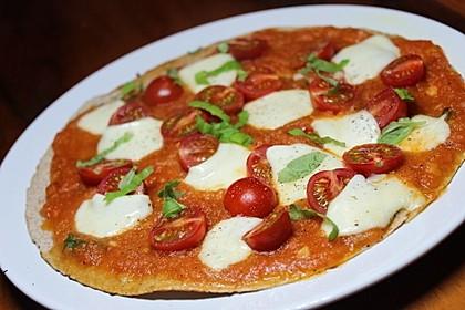 Pfannenpizza mit Mozzarella 4