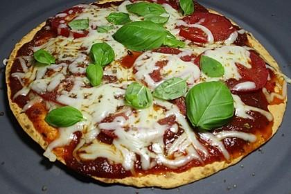 Pfannenpizza mit Mozzarella 3