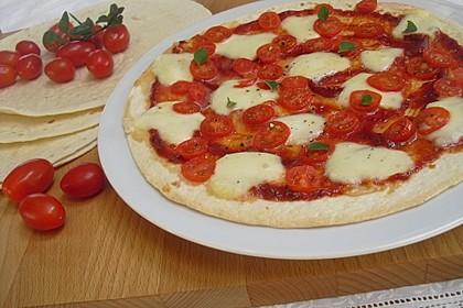 Pfannenpizza mit Mozzarella 5
