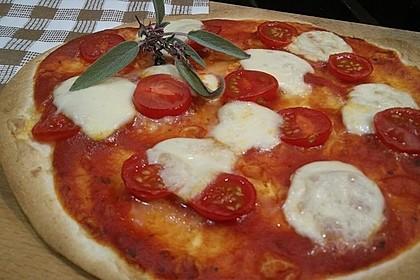 Pfannenpizza mit Mozzarella 7