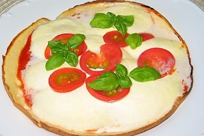 Pfannenpizza mit Mozzarella