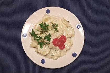 Kartoffelsalat mit leichter Milch-Sahne-Sauce
