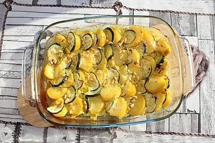 Kartoffelgratin mit Ziegenkäse und Pinienkernen