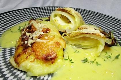 Kohlwickel mit Kartoffelstampf und Käse