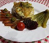 Hähnchenbrust auf Toastie mit Käse überbacken (Bild)