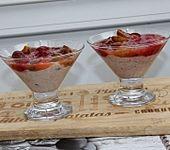 Aprikosen-Himbeer-Grütze mit Quark (Bild)