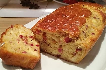 Kuchen mit Speck und Käse