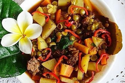 Grüne Linsensuppe mit Rindfleisch und Gemüse (Bild)