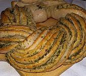 Knoblauch-Kräuter-Brotkranz (Bild)