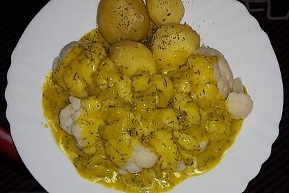 Blumenkohl-Ragout mit Dill-Senfsauce
