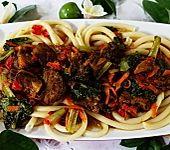 Rindfleisch-Potpourri mit Makkaroni (Bild)