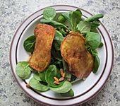 Feldsalat mit Kartoffel-Leberwurst-Chips (Bild)
