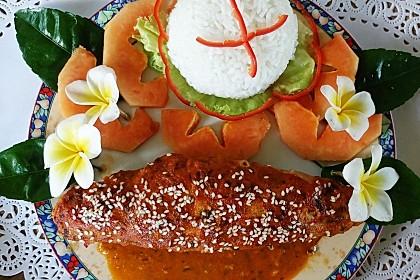 Gefüllte Zucchini in Tomatensauce mit Reis