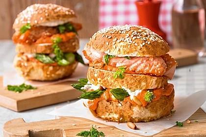 Spargel-Laugen-Burger mit Lachs
