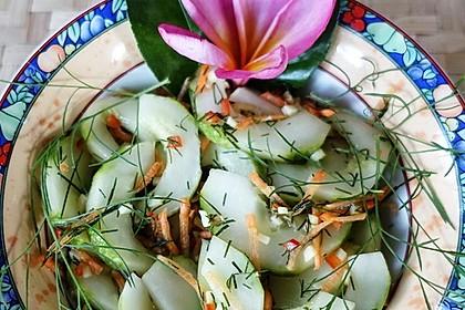 Süß-sauer-scharfe Gurkenstücke à la Dewi Desi