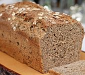 Dinkel-Bärlauch-Brot mit Chiasamen (Bild)