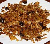Kohlsalat mit getrockneten Pflaumen (Bild)