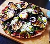 Low carb Pizza mit Kichererbsenmehl (Bild)