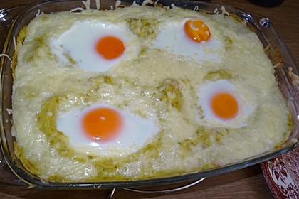 Kartoffel-Erbsen-Püree mit Schinken und Eiern (Bild)