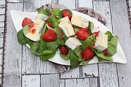 Feldsalat mit Gorgonzola, Erdbeeren und Erdbeer-Dressing 1