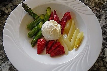 Karamellisierter Spargel mit Erdbeeren und Vanilleeis 5