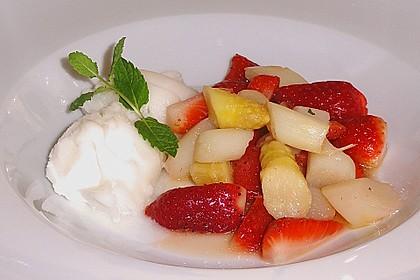 Karamellisierter Spargel mit Erdbeeren und Vanilleeis 4