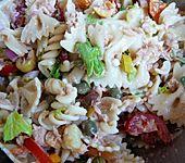 Leichter Nudelsalat mit Thunfisch (Bild)