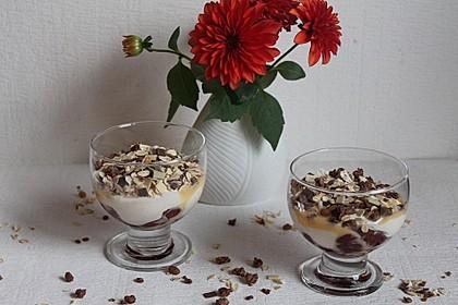 Sauerkirsch - Quark - Dessert (Bild)