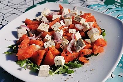 Leichter und erfrischender Sommersalat (Bild)