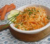 Kohlrabi-Karotten-Apfelsalat (Bild)